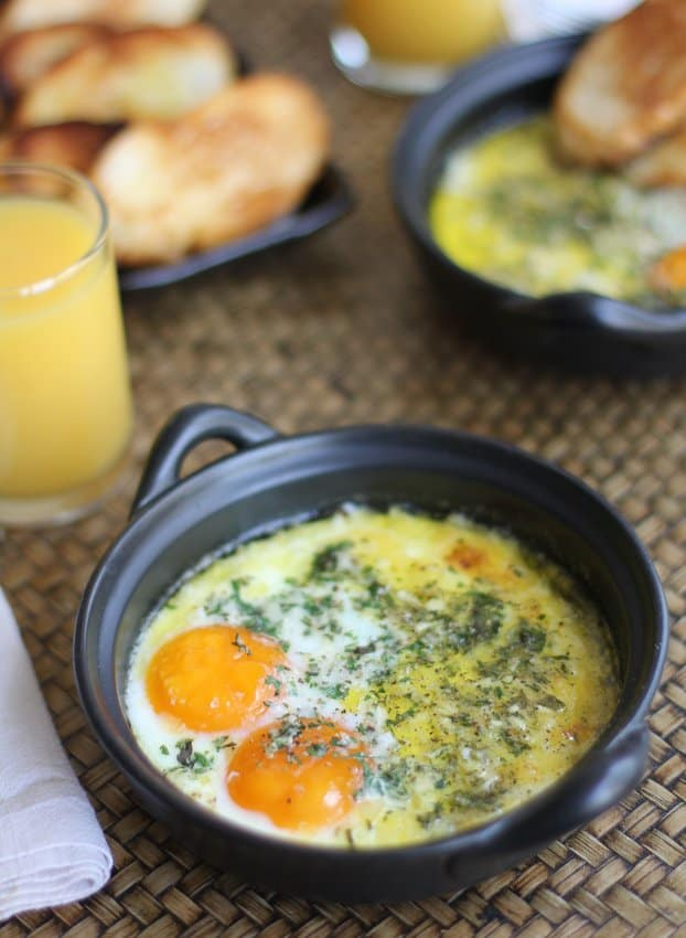 Herbed Baked eggs
