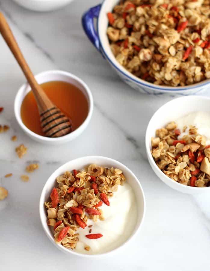 Stovetop granola with goji berries and vanilla