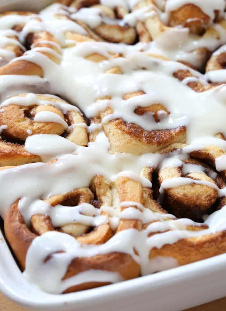 1 Hour Cinnamon Rolls via @InquiringChef