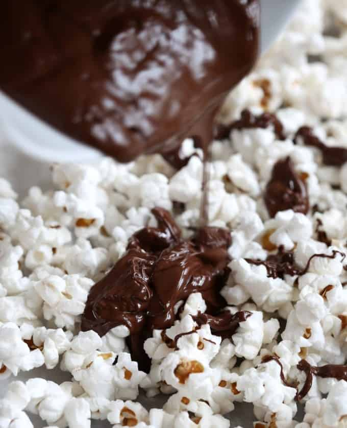 Dark Chocolate Peppermint Popcorn via @inquiringchef