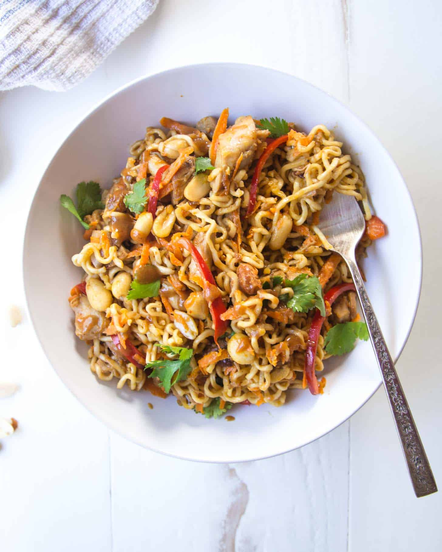 Thai Chicken Peanut Noodles [Easy Thai recipe]