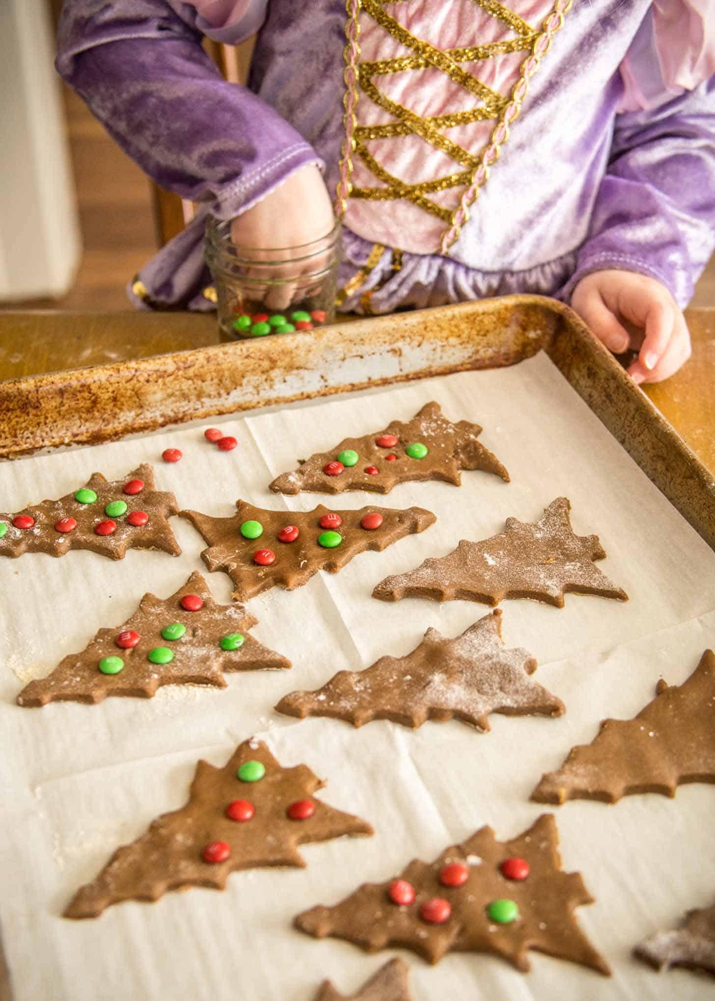 Baking Crisp Gingerbread Cookies