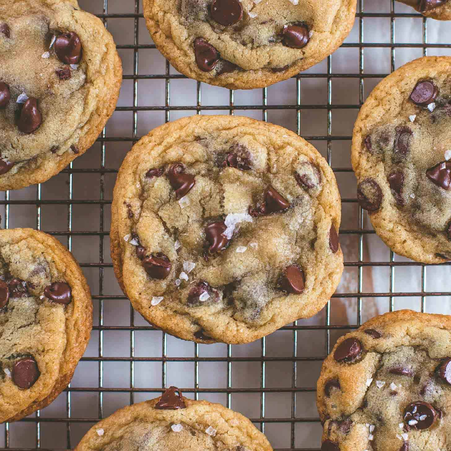 Crispy and Chewy Chocolate Chip Cookies | Inquiring Chef