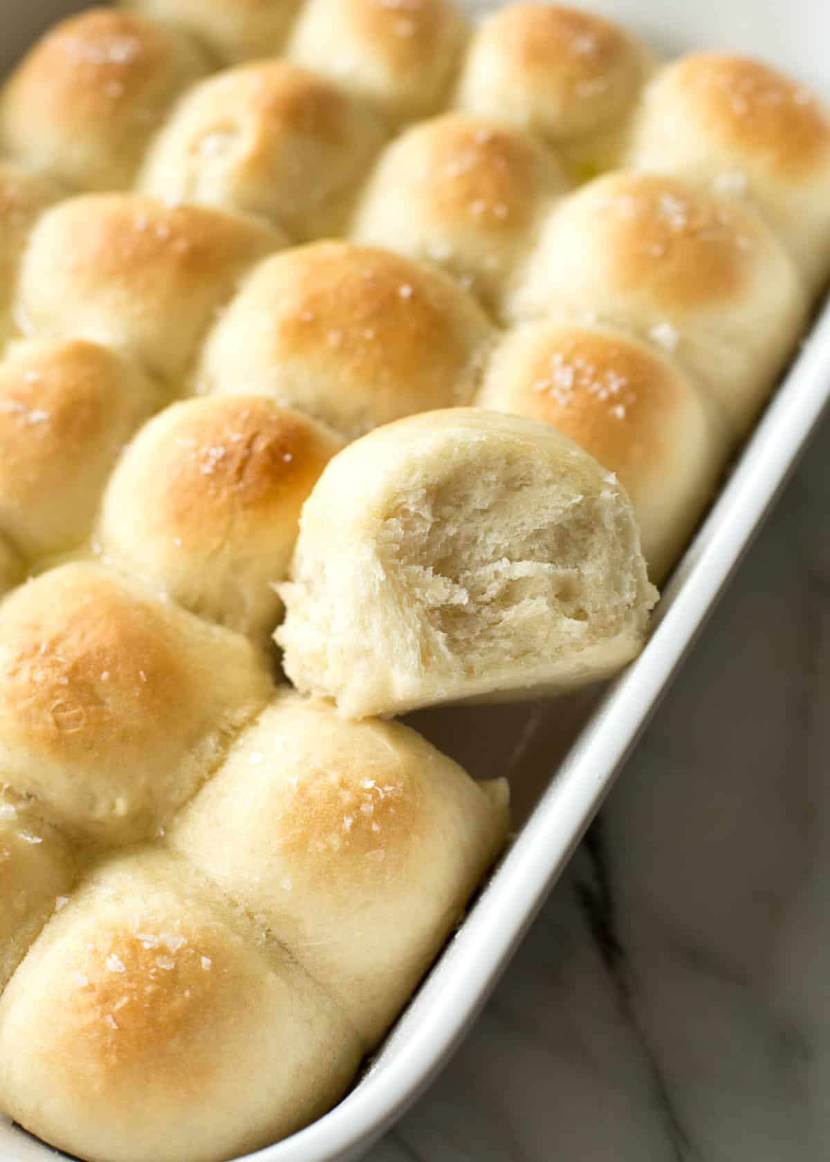 1 Hour Light And Buttery Dinner Rolls Inquiring Chef