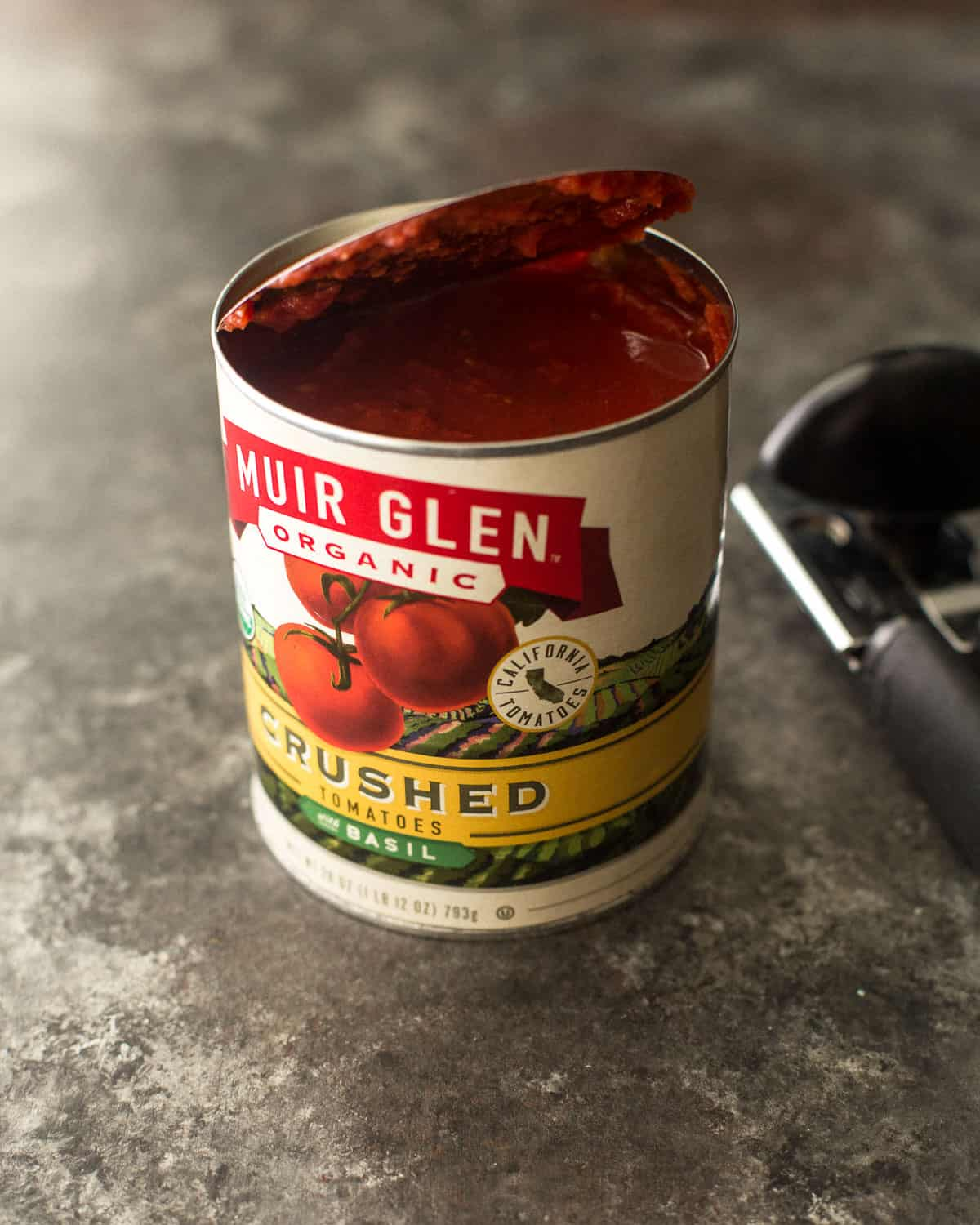 crushed tomatoes in a can